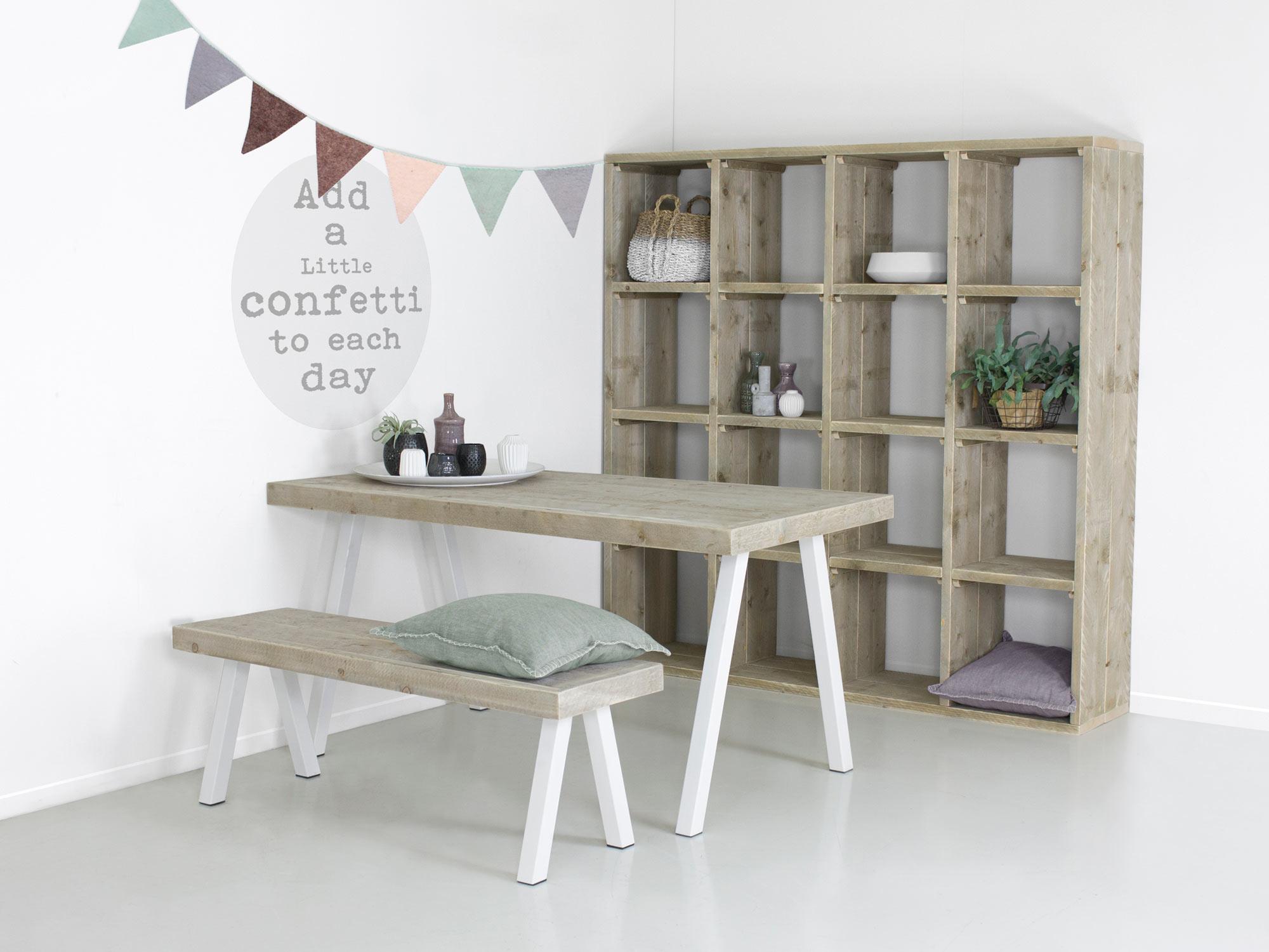 Industriële tafel met witte stalen poten Ella   FØRN meubelen