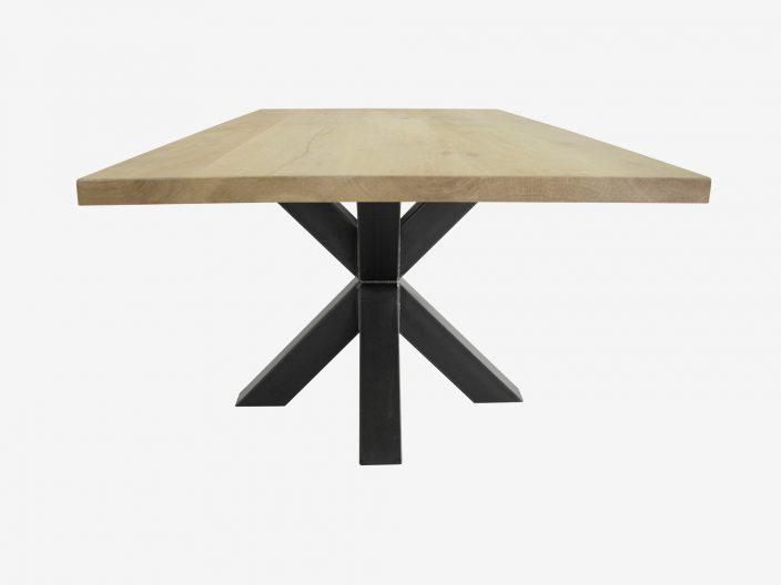 Industriele eikenhouten tafel Fedor witte achtergrond3