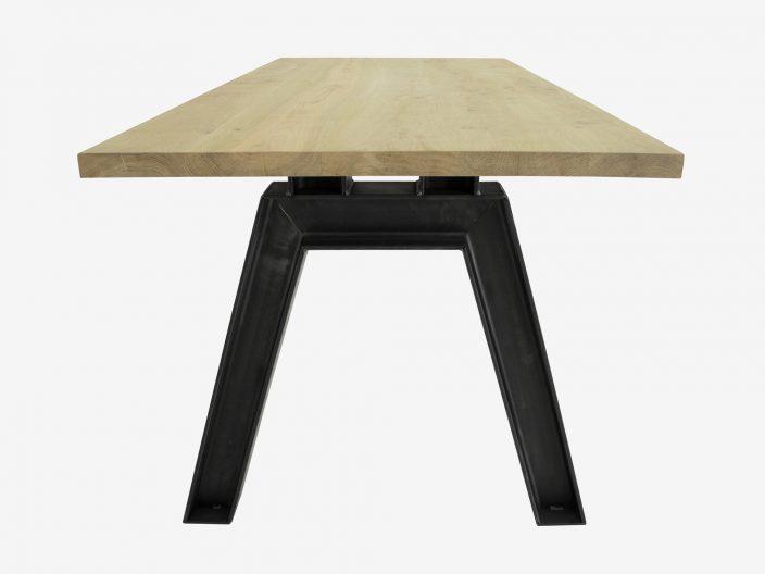 tafel Verne eikenhout en staal