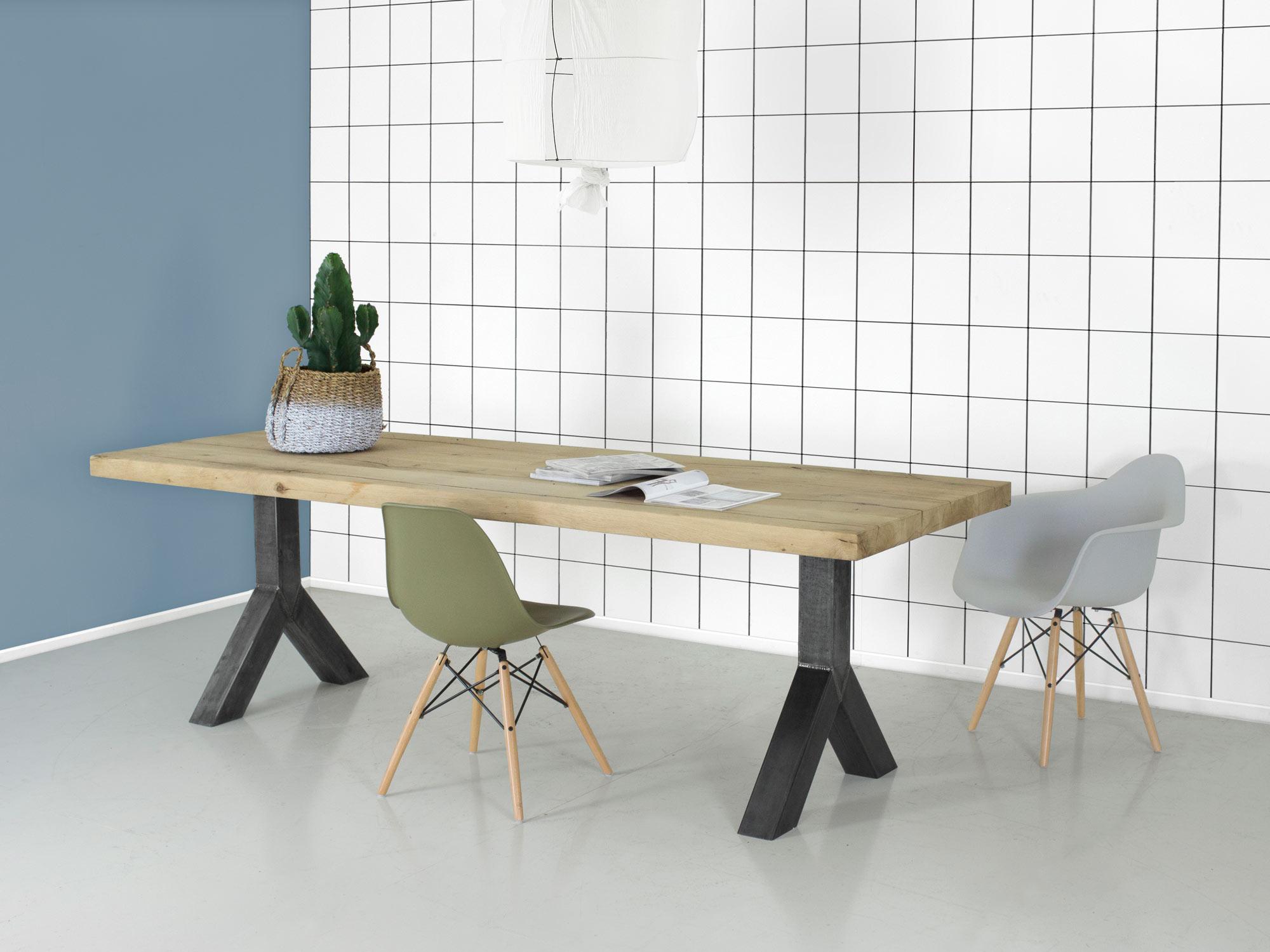 Robuuste Eiken Tafel : Industriële tafel met metalen poot robuust eiken art